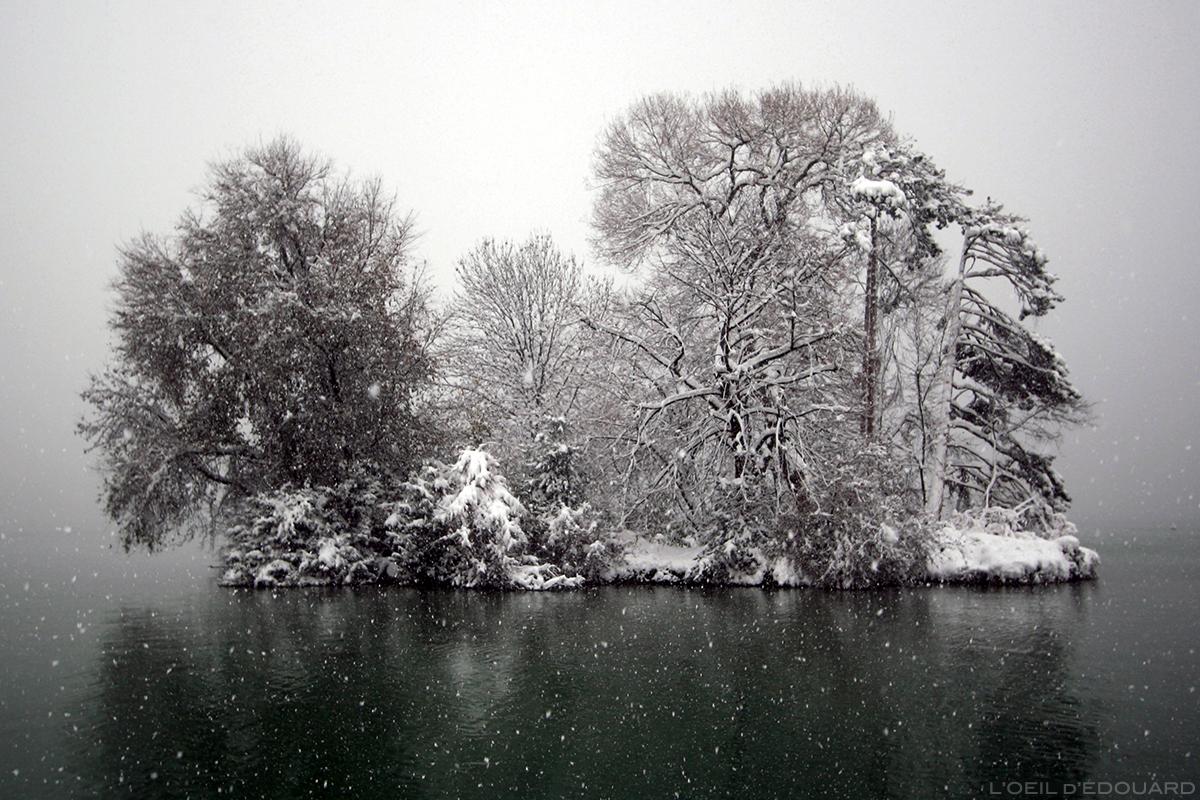 Île des Cygnes sous la neige, Lac d'Annecy