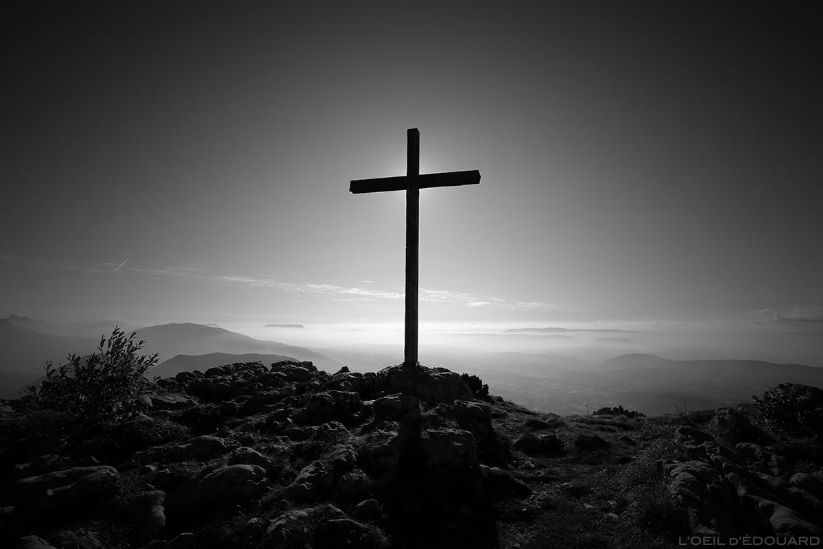 Croix au sommet du Parmelan