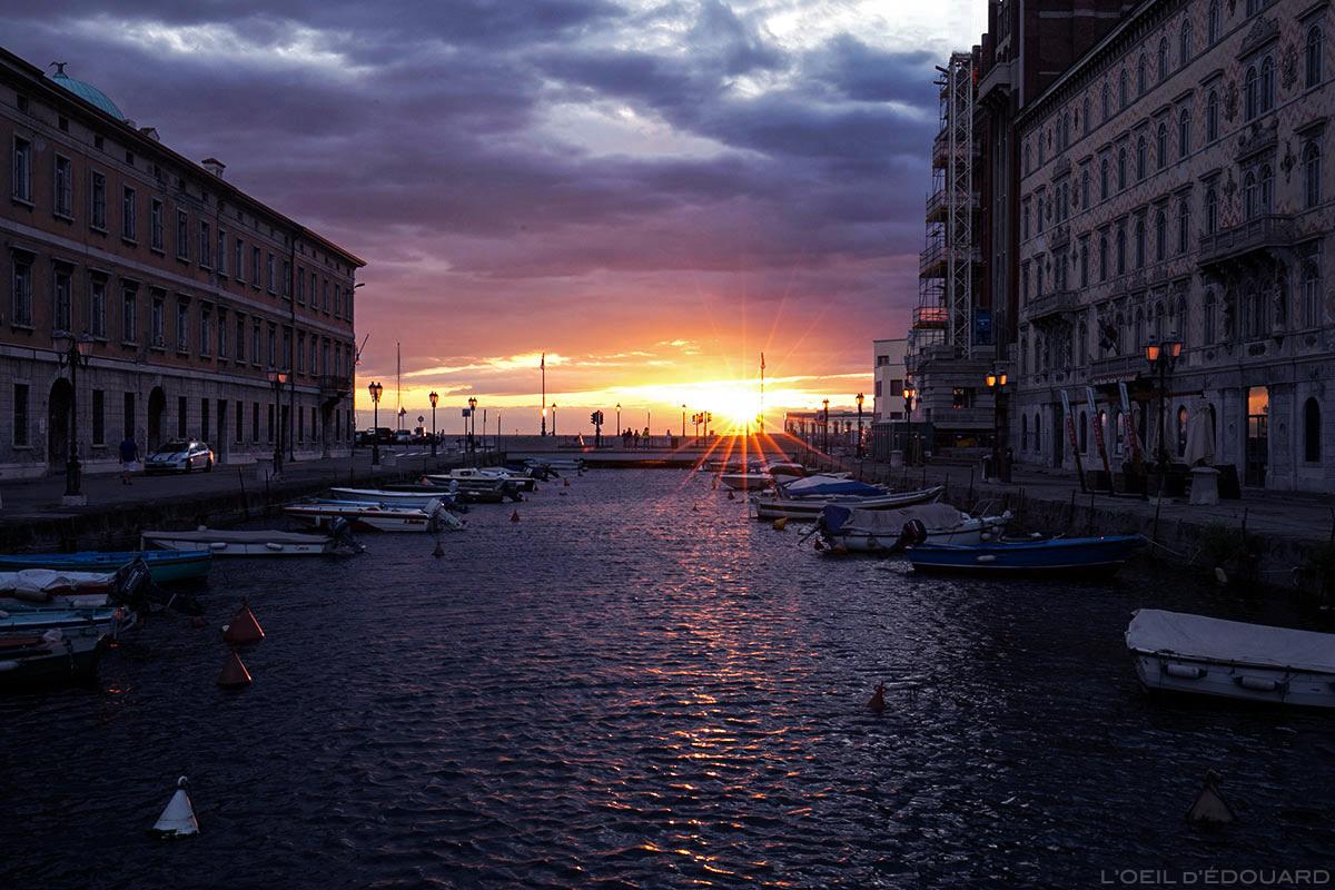 Coucher de soleil sur le canal de Trieste