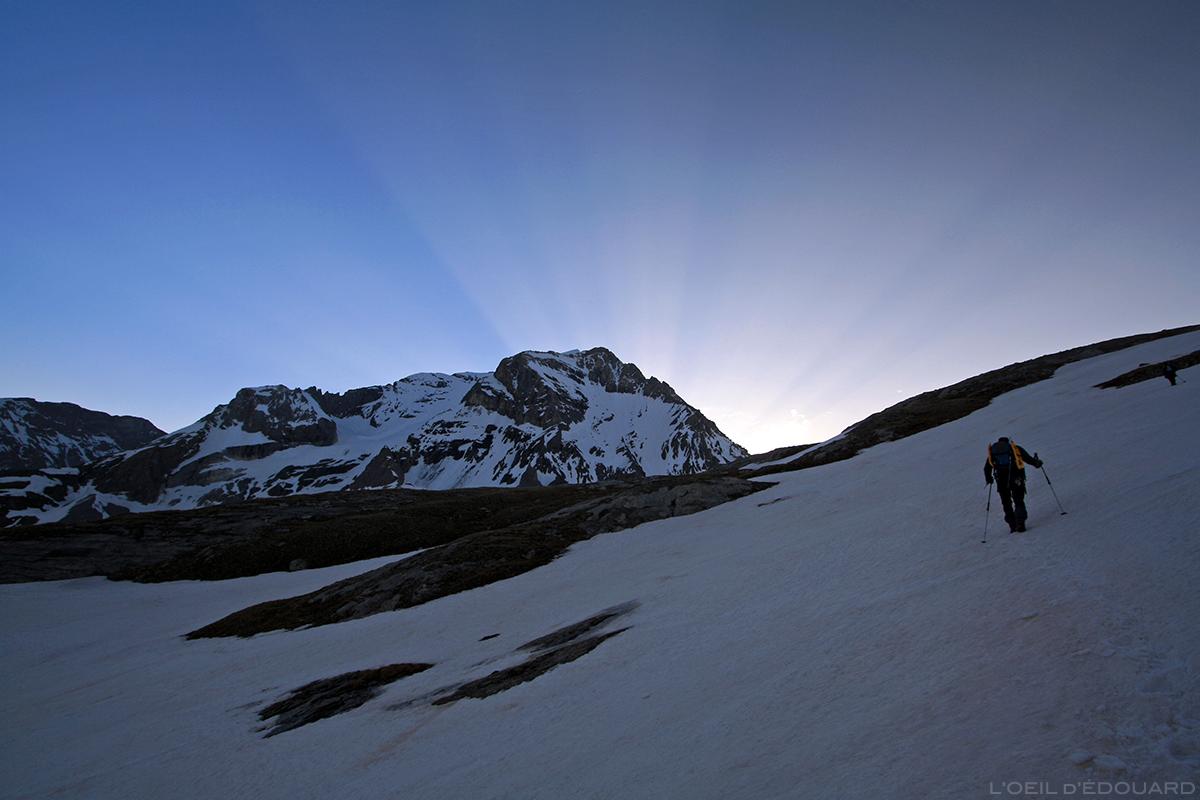 Lever de soleil derrière la Grande Casse, Vanoise