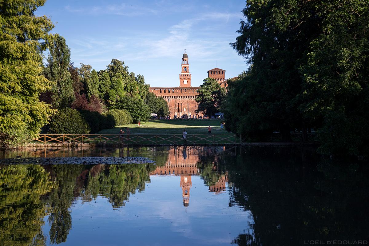 Castello Sforzesco di Milano - Le Château médiéval Sforza depuis le Parco Sempione à Milan © L'Oeil d'Édouard - Tous droits réservés