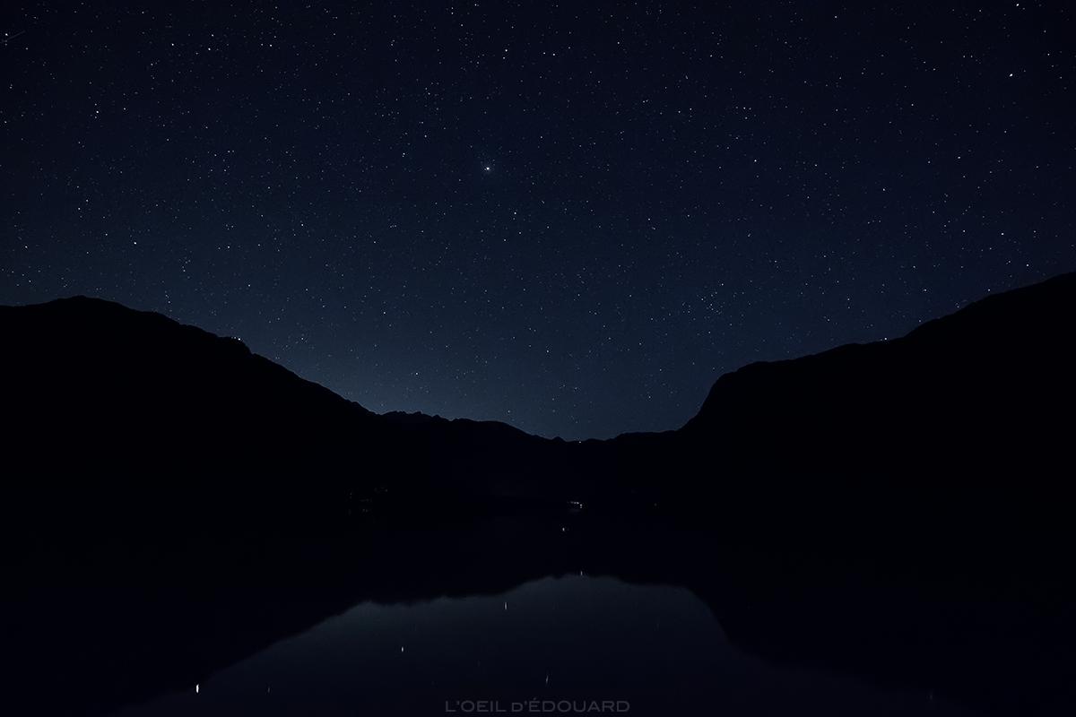 Étoiles dans le ciel du Lac de Bohinj de nuit, Slovénie - Bohinjsko jezero, Slovenia © L'Oeil d'Édouard