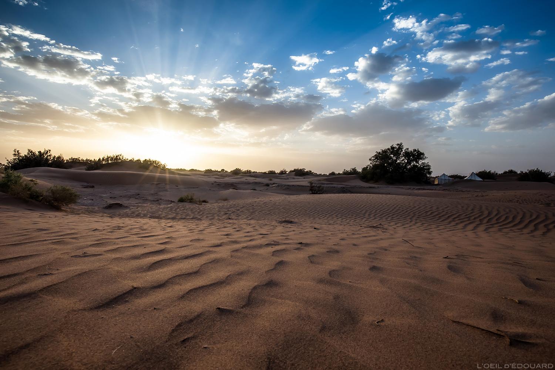 Coucher de soleil sur le sable dans le désert du Maroc © L\\\\\\\\\\\\\\\'Oeil d\\\\\\\\\\\\\\\'Édouard - Tous droits réservés
