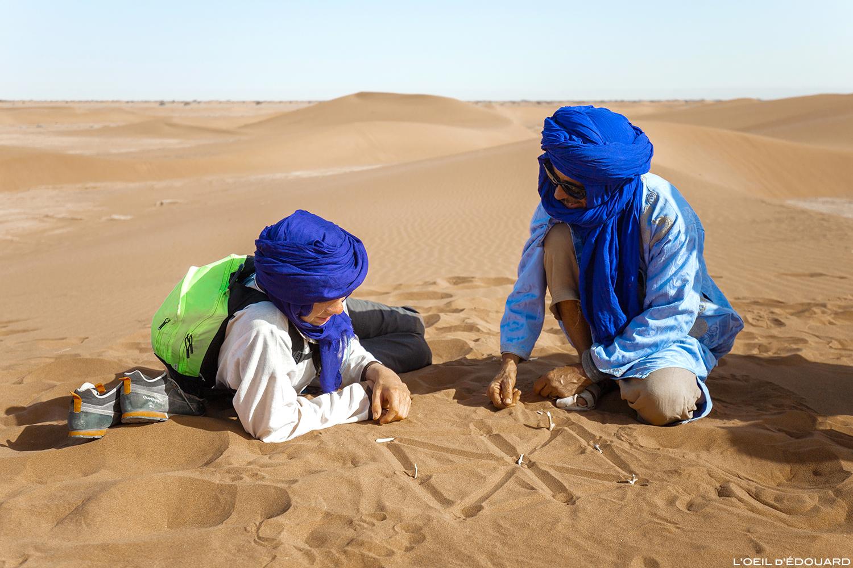 Jeu de dames dans le Désert du Maroc © L\'Oeil d\'Édouard - Tous droits réservés
