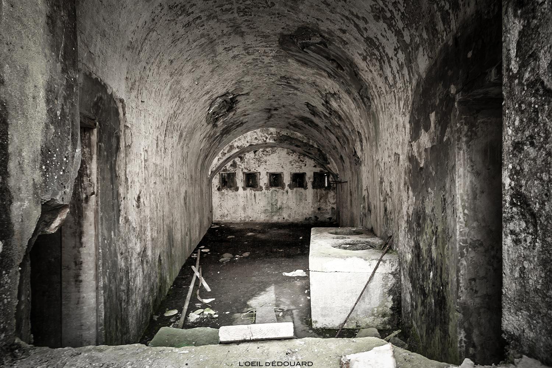 Salle à l'intérieur du Fort de Ronce, au-dessus du Col et du Lac du Mont-Cenis, Maurienne Savoie © L'Oeil d'Édouard - Tous droits réservés